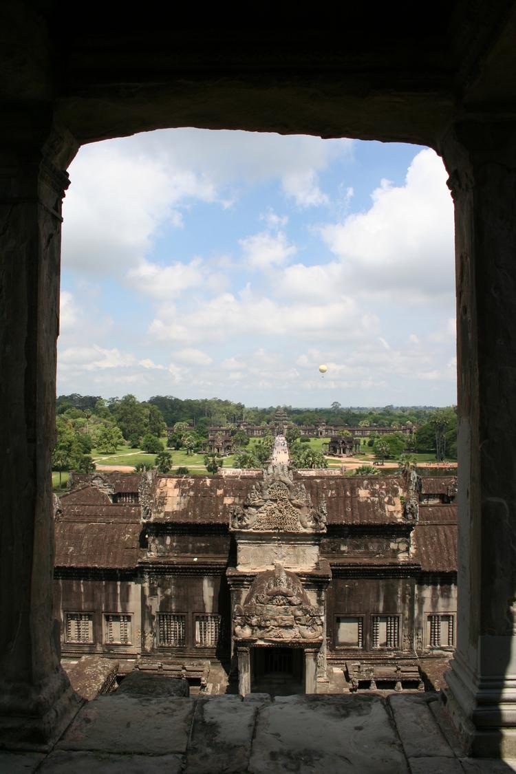 Doorkijkje in Angkor Wat