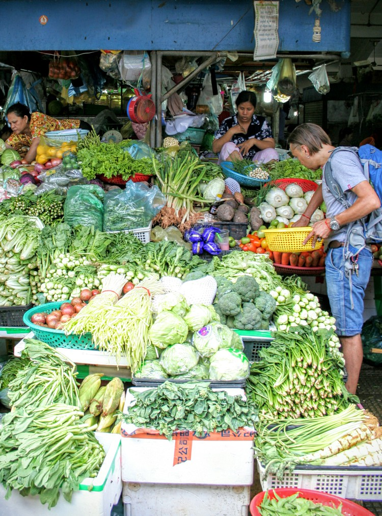 Groentenstal bij Psar Thmei