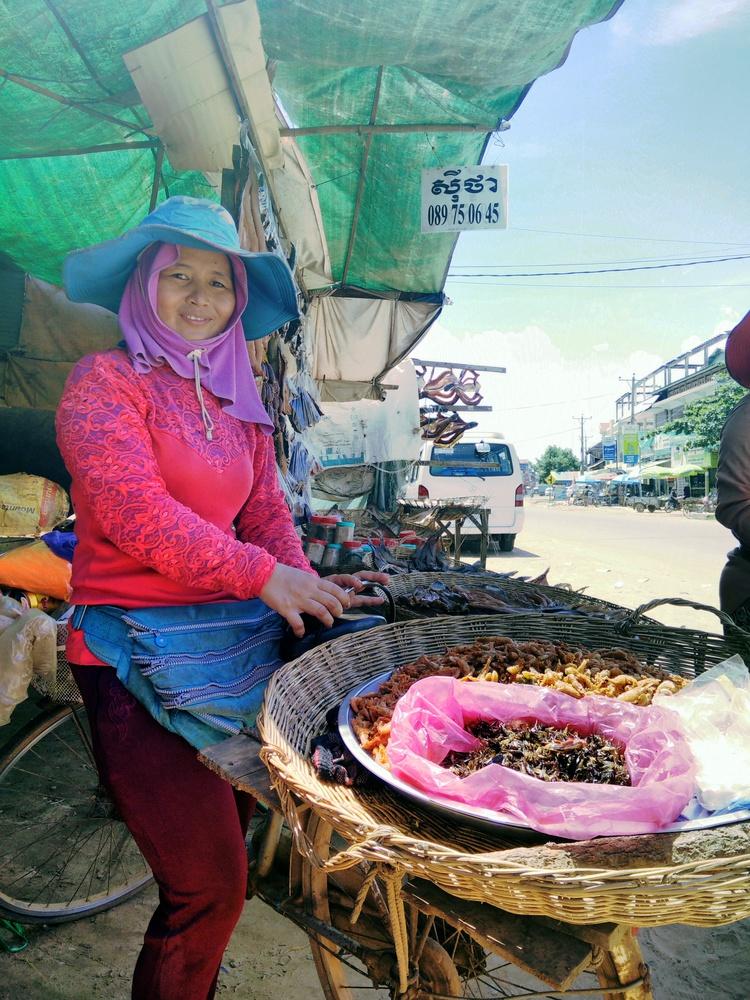 Kraampje met gedroogde vis