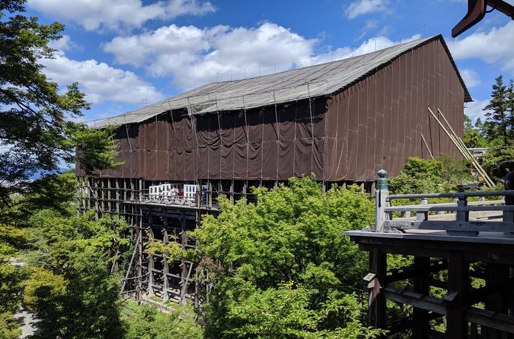 Ingepakte tempel van Kiyomizu-dera