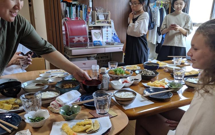 Diner bij Japanse familie