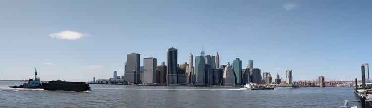 Panorama op Manhattan vanaf Brooklyn
