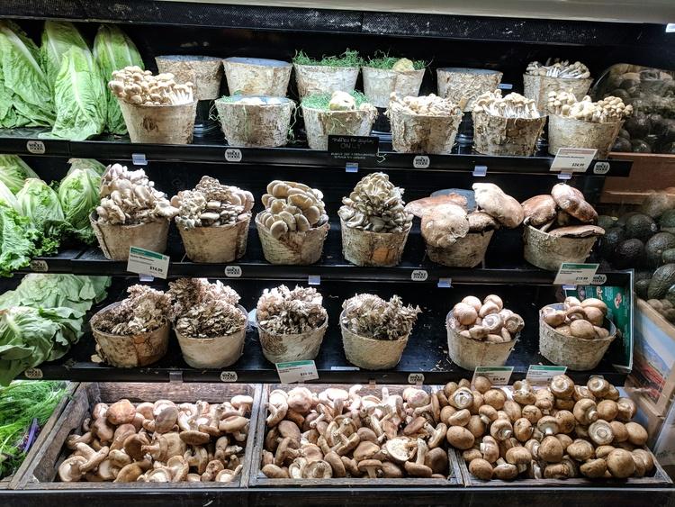 Paddestoelen bij Whole Foods