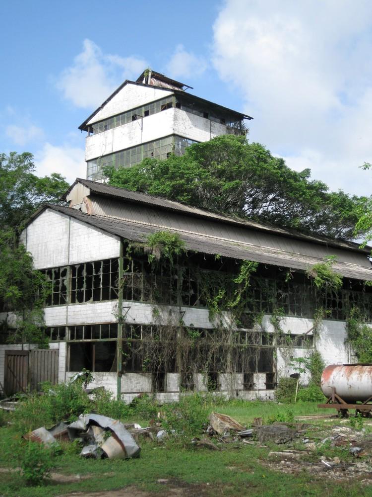 Voormalige rum distilleerderij Mariënburg